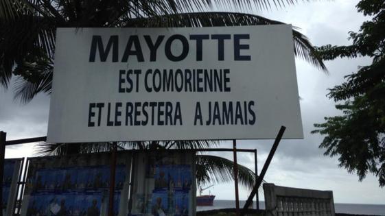 De l'eau dans le gaz entre la France et les Comores