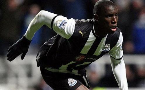 Newcastle : Mbokani à la place de Demba Ba ?