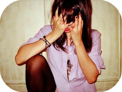 J'ai beau souffrir, mon coeur revient vers toi et je me hais de t'aimer comme ça.