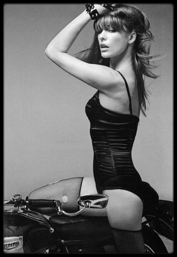 Parce qu'elle le vaut bien ! ♥ Milla Jovovich ♥