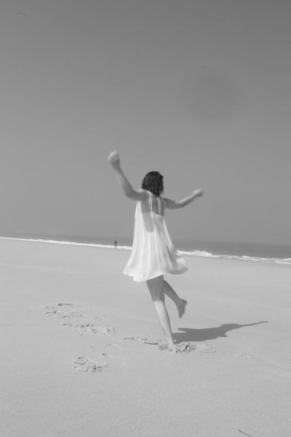 .* Quand tu me voi, tu pence que je suis heureuse, tu te trompe _#