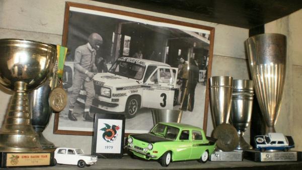 srt cormeilles Fini !!! le coin nostalgie * le garage  2014 *  la Simca Rallye 3 vendue en 1981 et la tenue au placard en souvenir fin de l'histoire !!!