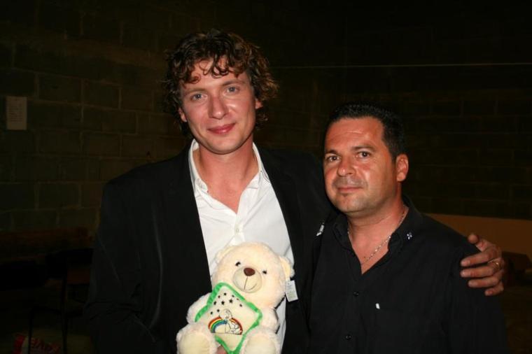 Olivier Villa (fils de patrick sébastien),Max (président de l'association relais des réves) et Jenny