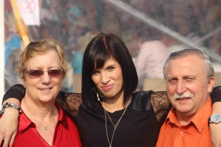 André Liagre et Son épouse Evelyne et MOI à Steenvoorde...