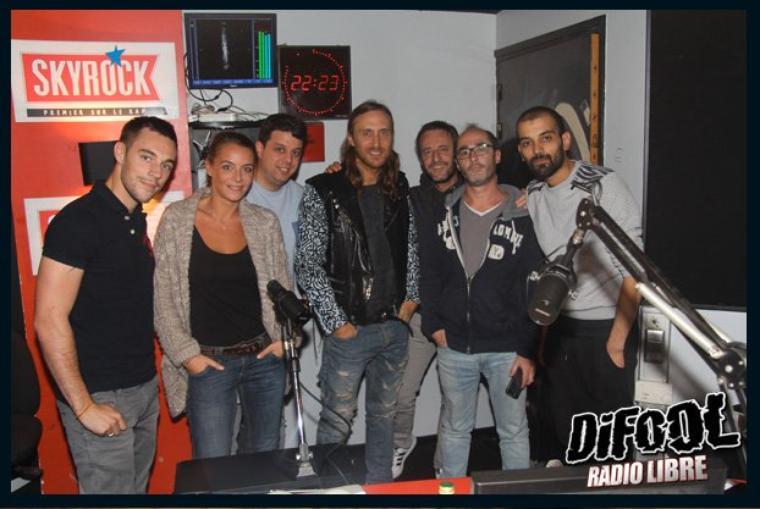 David Guetta avec les membres de la Radio Libre