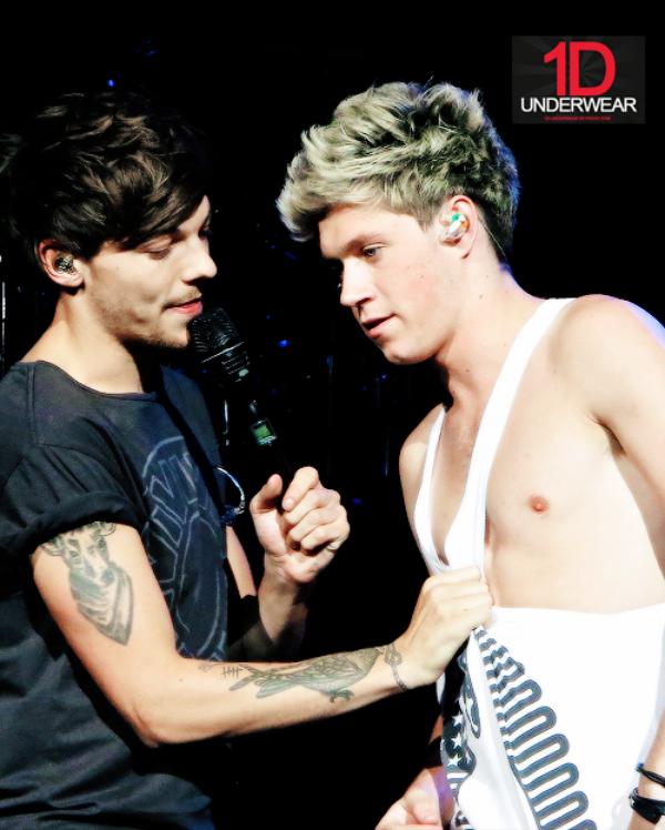STOP Louis ne déshabille pas trop Niall... Ou pas !