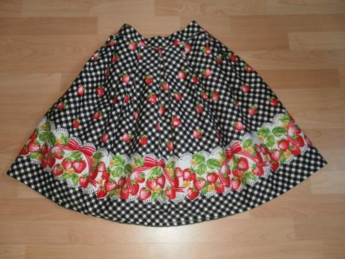 ~Jupe gingham strawberry (bodyline)~