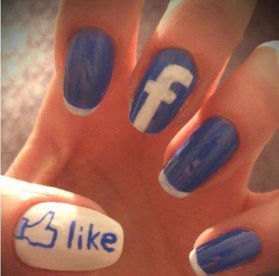 "Skyrock terminer, Rejoigniez-moi sur facebook =)....  ""   Alison Cahon  """