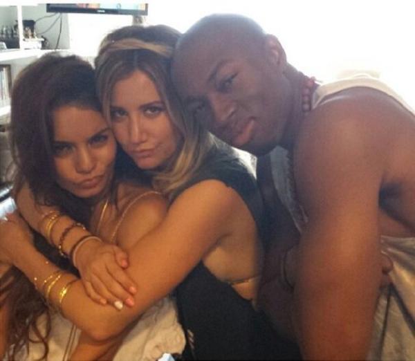 Za-Nessa-SourceOn aurait pu le parier des millions, c'est Vanessa qui assiste à l'anniversaire d'Ashley..