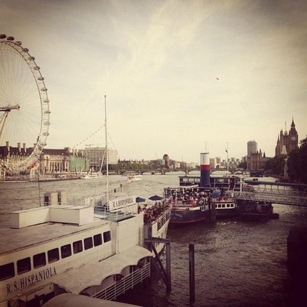 """Za-Nessa-Source""""Oh hay Londres"""" - Vanessa, actuellement à Londres donc..Za-Nessa-Source"""