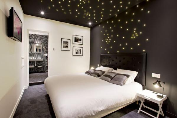 Hmmm!!!!Une chambre de rêve . j'aimerais en avoir une moi