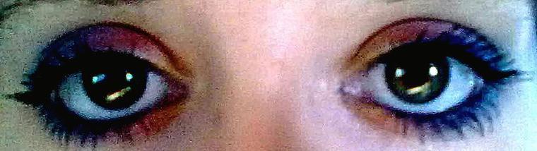 Dis moi je t'aime en me regardant dans les yeux !.