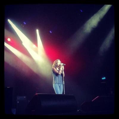 Jenifer au concert des 5 ans de l'association Grégory Lemarchal, le 19 Juin 2o12 .