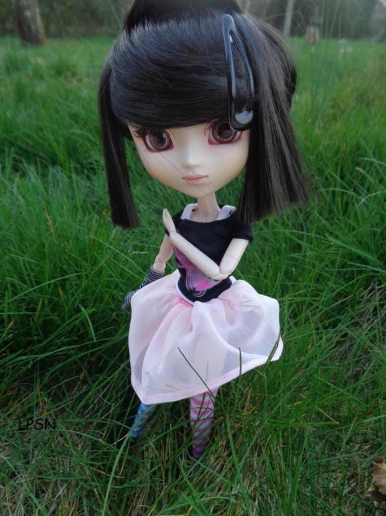 séance photo de koyomi dans mon beau jardin ^^ (regroupement de 2 séances...)