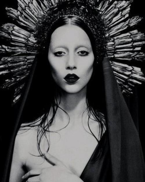 Dafina Zeqiri dhe Lady Gaga jan Illuminati !!!