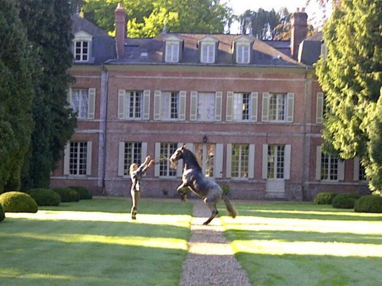 La fin d'un mythe, cette saison d'animation dans ce chateau avec Poney était la dernière ; l'été prochain on change !