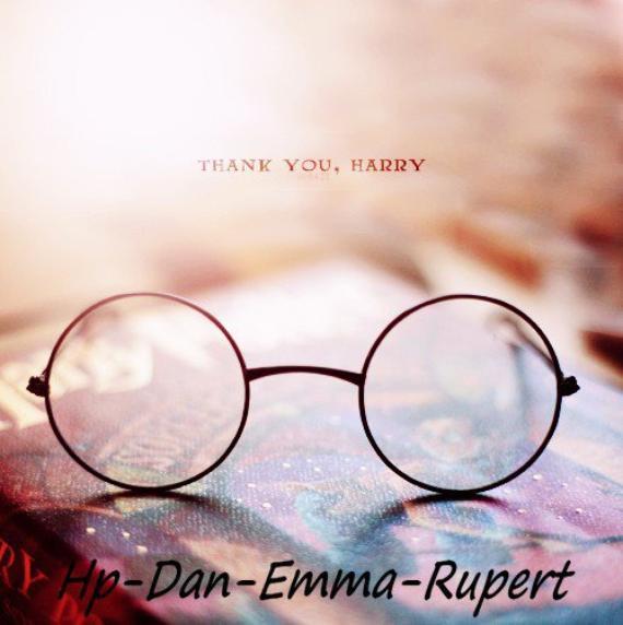 10 ans de ma vie que je vois s'envoler, mon enfance, cette magie, ces personnages, je suis en déprime post-Potter j'aimerais retourner 10 ans en arrière et pourtant il ne faut pas pleurer car c'est fini mais sourire parce que c'est arrivé. HP♥