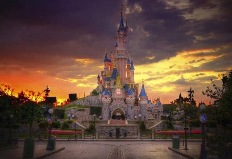Disneyland Paris fermé au public pour la 2ème fois depuis 1992.