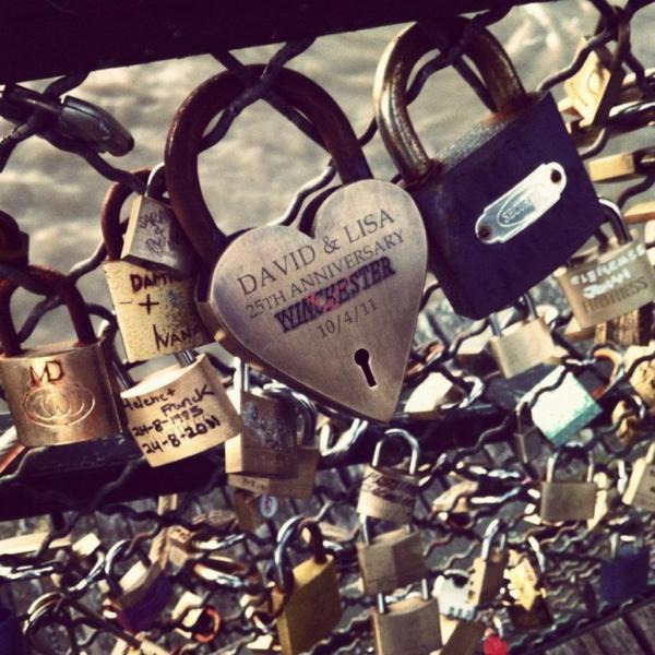 Pont des amoureux.