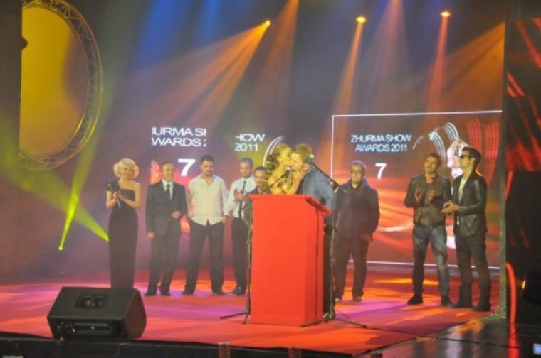 """Genta Ismajli-""""Zhurma Show Awards"""" 2011"""