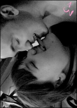 Dimitri & Maily. xる / Aime moi mon amour. (♥) (2010)