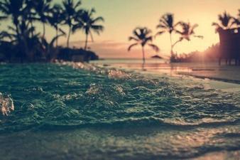 """""""Tout homme veut être heureux: mais pour parvenir à l'être, il faudra commencer par savoir ce qu'est réellement le bonheur"""""""