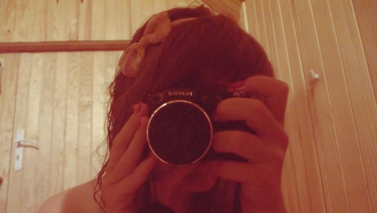 """""""Je n'ai pas de passé, pas de souvenirs, pas de faux pas à découvrir. J'ai juste tout à vivre."""" Frédérique Deghelt"""