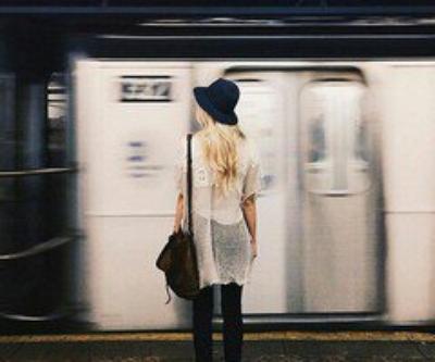 """""""Quand tu aimes quelqu'un, tu le prends en entier, avec toutes ses attaches, toutes ses obligations. Tu prends son histoire, son passé et son présent. tu prends tout, ou rien du tout."""""""