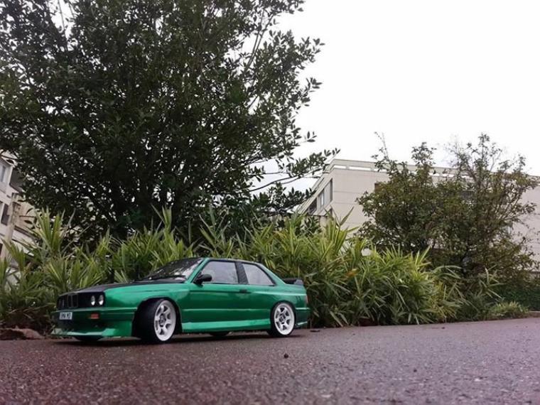 Tamiya TT-01E - BMW E30 Green n' Carbon (#LBPT94)
