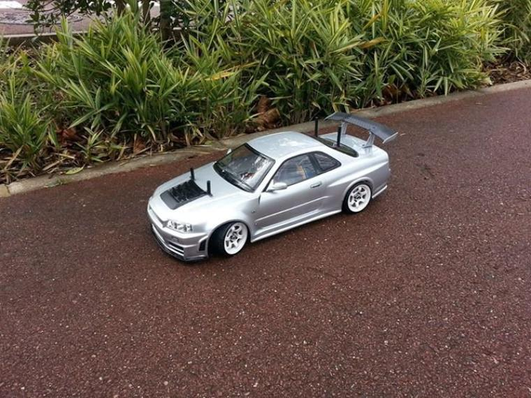 Tamiya TT-01E - Nissan Skyline GTR R34 Fast n' Carbon (#LBPT94)