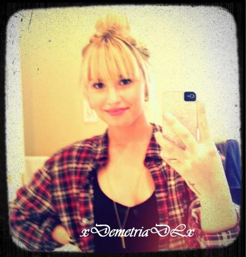 Bienvenue sur xDemetriaDLx, ta source sur la belle et talentueuse Demi Lovato !