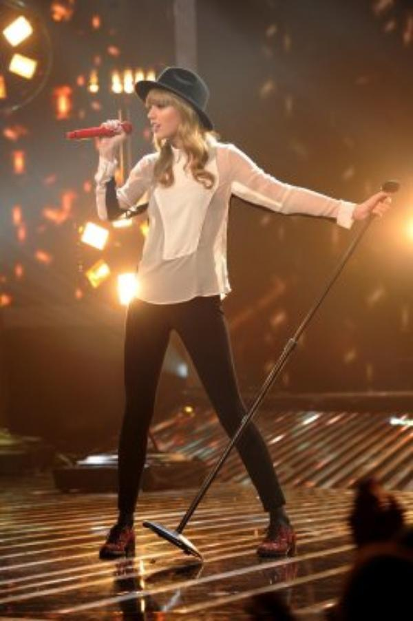 Taylor Swift - State Of Grace Live at X Factor