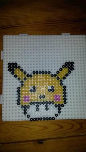 Pikachu ( Pokémon) en perle Hama