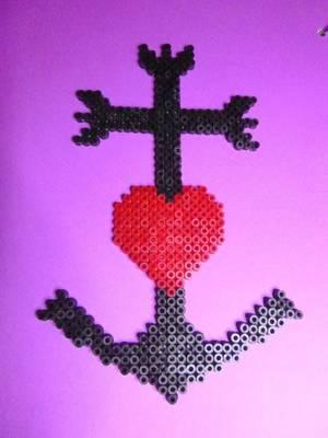 Croix camarguaise en perles hama