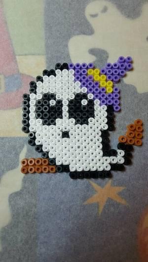 Petit fantôme avec chapeau de sorcière HAMA pour halloween