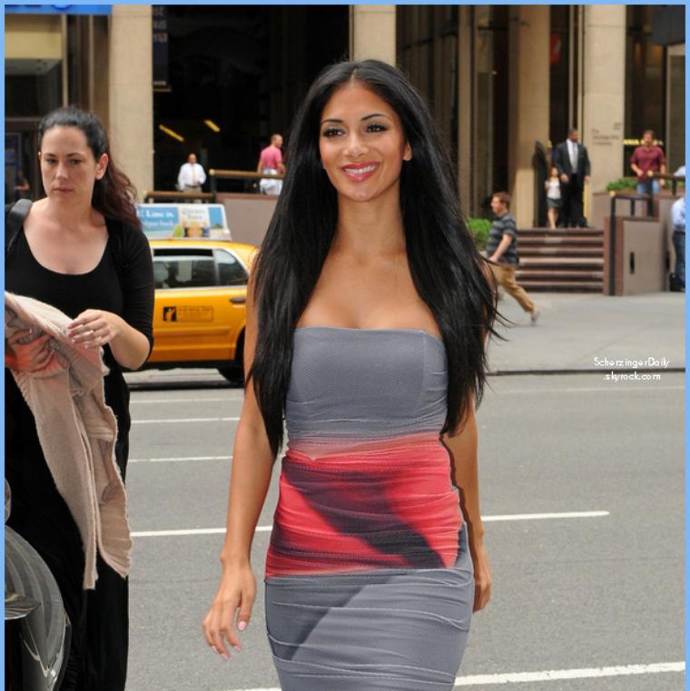 -- Jeudi 18 Août 2011 : Nicole a était apperçue dans les rue de New-York  quittant les studios ABC.. --