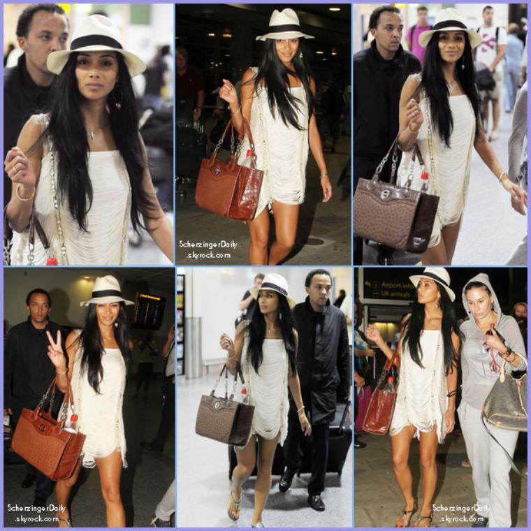 -- Lundi 12 Septembre 2011 : Nicole vient d'arriver à l'aéroport Gatwick dans la ville de Londres.. --