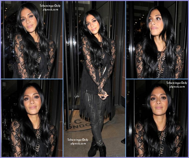 -- Dimanche 30 Octobre 2011 : Après son live de Try With Me,  Nicole est aller manger au C restaurant.. --