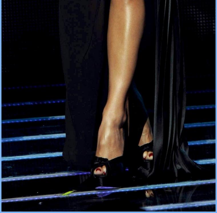 -- Jeudi 03 Novembre 2011 : Nicole toujours sur le plateaux d'X-Factor le lendemain pour le résultat des votes.. --
