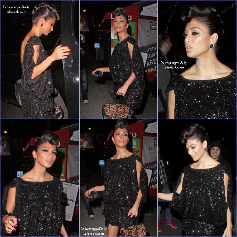 -- Mercredi 21 Décembre 2011 : Nicole était, après la première partie de la final d'X-Factor au club The Den à Hollywood.. --