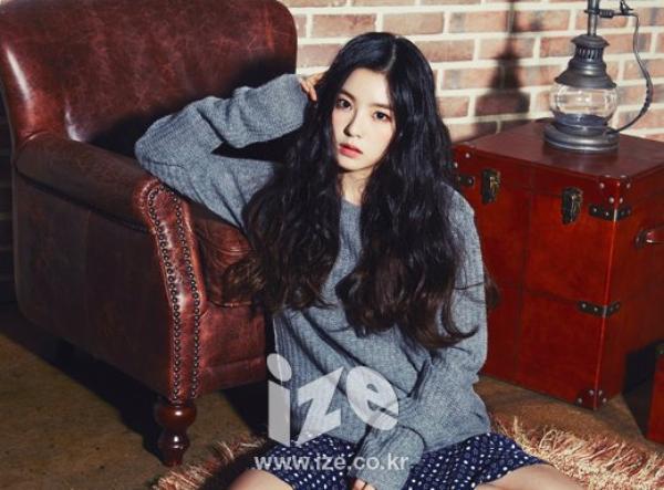 사진   Le groupe  Red Velvet  pour   Ize (Decembre 2014)    빨간 벨벳