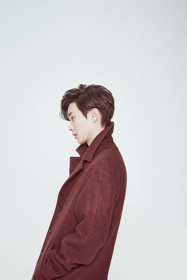 사진   L'acteur  Choi Woo Shik   pose pour   UrbanLike, Décembre 2014       최우식