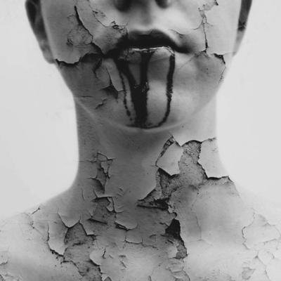 Physiquement vivante, intérieurement morte, psychologiquement perdue.