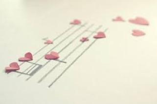 Ne vous sentez jamais triste pour quelqu'un qui vous a délaissé, ayez pitié de lui, parce qu'il a abandonné quelq'un qui ne l'aurait jamais laissé tomber.