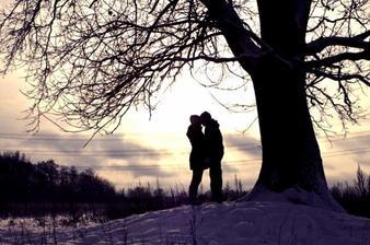 La plus grande vérité qu'on puisse apprendre un jour est qu'il suffit d'aimer et de l'être en retour...