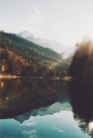 «Le monde est très grand et plein de contrées magnifiques que l'existence de mille hommes ne suffirait pas à visiter.» Arthur Rimbaud