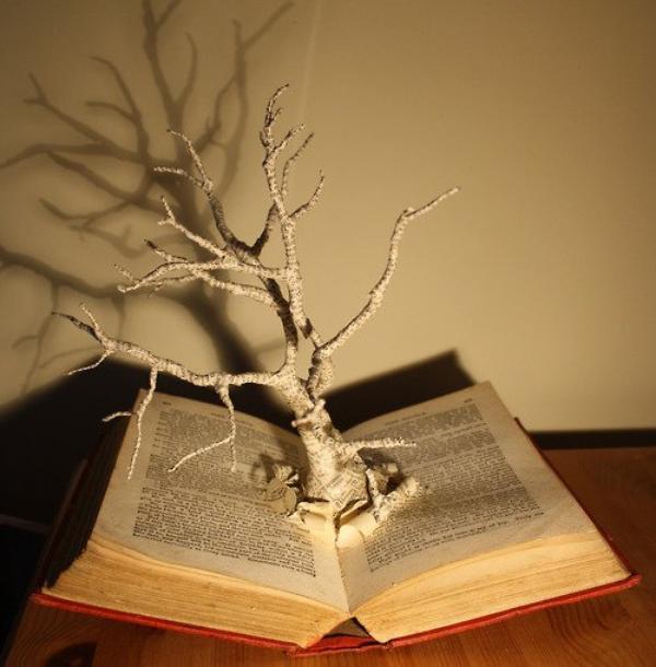 """""""Un classique est quelque chose que tout le monde voudrait avoir lu et que personne ne veut lire."""""""