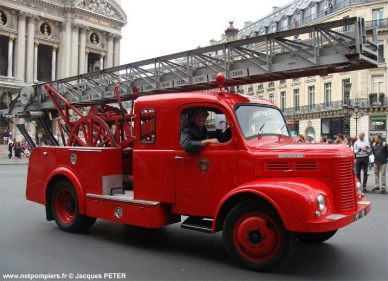 VEHICULES DES POMPIERS DE PARIS : PE 78
