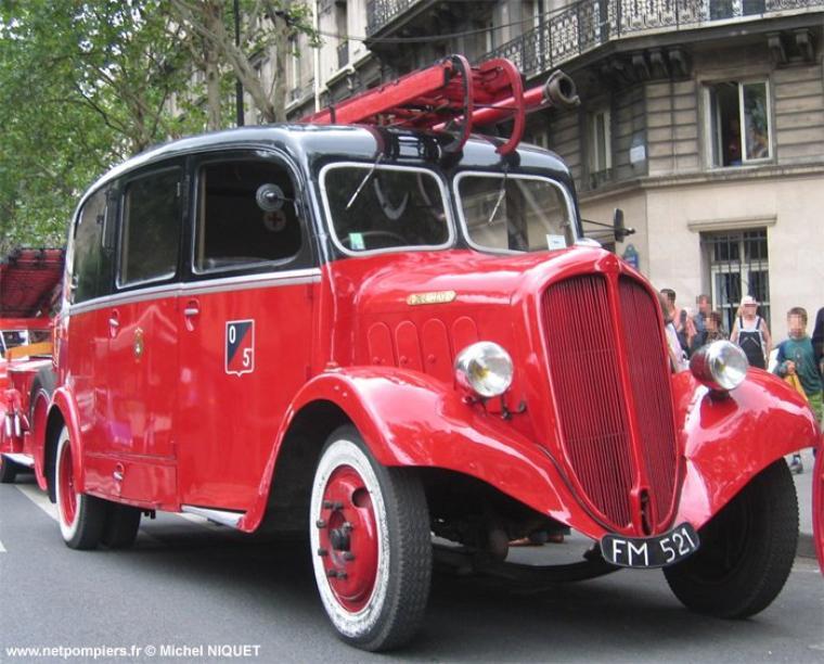 VEHICULES DES POMPIERS DE PARIS : LE FM