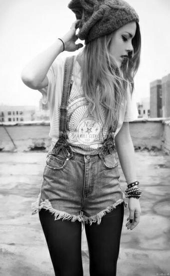Slowly Si un jour on me demande de décrire mon adolescence en 3 mot, il seront évident :  Aide, Force, Joie.© Slowly